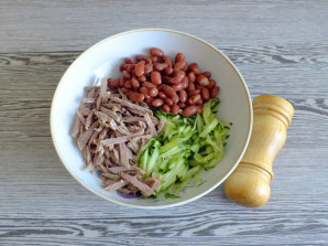 Салат с говядиной и сухариками - фото шаг 8