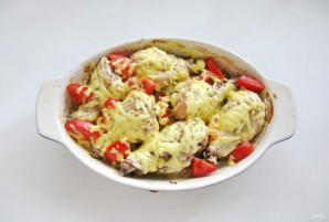Куриные голени с картофелем и луком в духовке - фото шаг 8