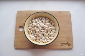 Фасоль с охотничьими колбасками - фото шаг 2