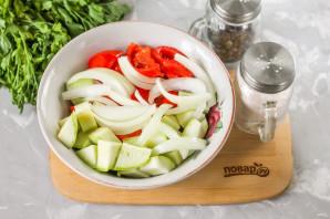 Салат со скумбрией на зиму - фото шаг 4