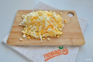 Крабовый салат в лаваше - фото шаг 3