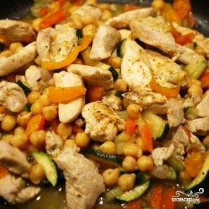Нут с курицей и овощами - фото шаг 6