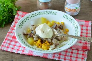 Салат из сельди с кукурузой - фото шаг 7
