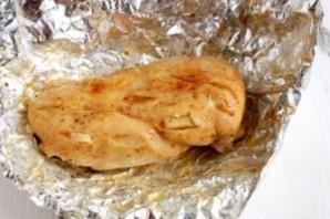 Куриные стейки в мультиварке - фото шаг 3
