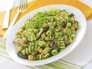 Салат из макарон с нутом и баклажанами - фото шаг 5