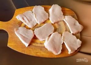 Свиная корейка обжаренная в луковом соусе - фото шаг 2