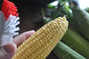 Консервированная кукуруза в початках на зиму - фото шаг 2