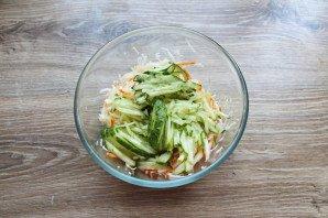 Салат с капустой и дайконом - фото шаг 6