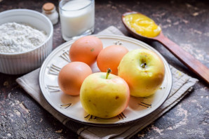 ПП шарлотка с яблоками - фото шаг 1