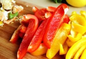 Простой салат с болгарским перцем - фото шаг 1
