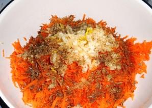 Капустные трубочки с морковью - фото шаг 2