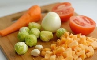 Подлива из моркови и лука - фото шаг 1