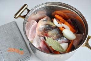 Рыбный суп с солеными огурцами - фото шаг 2