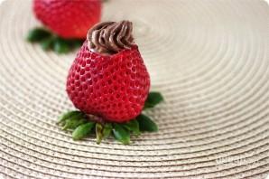 Клубника с шоколадным муссом - фото шаг 7