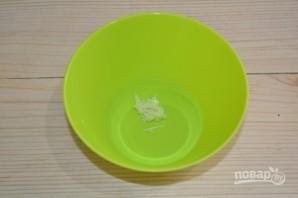 Салат с капустой и грушей - фото шаг 7