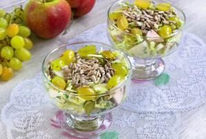 Салат из яблок и винограда - фото шаг 8
