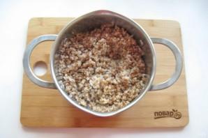 Куриный рулет с гречкой и грибами - фото шаг 2