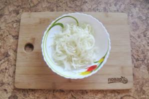 Салат из моркови и капусты с майонезом - фото шаг 2