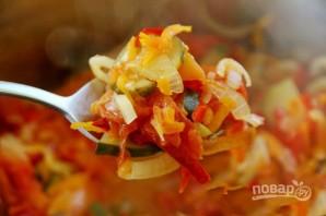 Салат на зиму с огурцами и помидорами - фото шаг 3