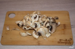 Куриные сердечки в сметане с грибами - фото шаг 4