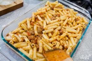 Макароны под соусом в духовке - фото шаг 4