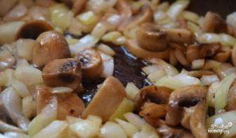 Индейка в сливочно-грибном соусе - фото шаг 6