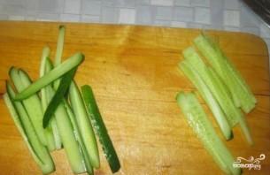 Роллы с огурцом и сыром - фото шаг 2