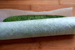 Зеленый рулет с креветками и болгарским перцем - фото шаг 4