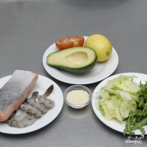 Салат с авокадо и семгой - фото шаг 1