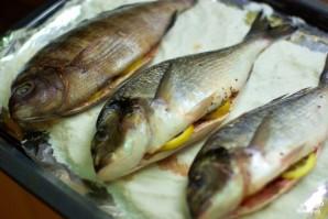 Рыба, запеченная в соли - фото шаг 4