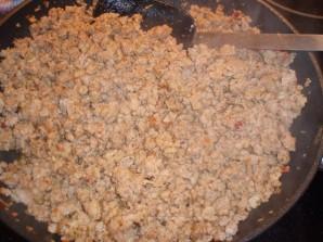 Гречка с фаршем на сковороде - фото шаг 2