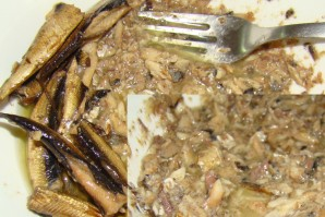 Салат со шпротами и сыром - фото шаг 2