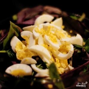 Салат с тунцом и яйцом - фото шаг 5