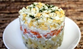 Слоеный салат с солеными огурцами - фото шаг 7