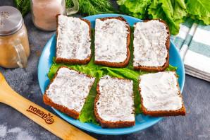 Бутерброды с красной рыбой и киви - фото шаг 3
