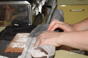 Торт из рулетов - фото шаг 4