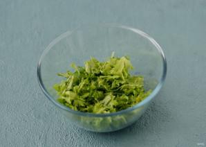Салат с кукурузой и оливками - фото шаг 2