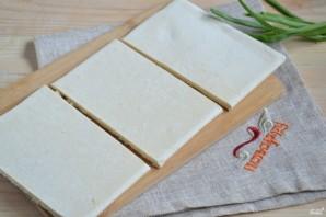 Слойки с сыром из готового слоеного теста - фото шаг 3