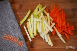 Спиральки с цукини, морковью и кальмарами - фото шаг 1