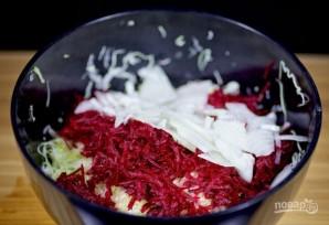 Салат из свеклы и капусты - фото шаг 3
