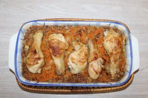 Куриные ножки с гречкой в духовке - фото шаг 10