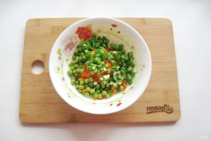 Салат с зеленым горошком и морковью - фото шаг 5