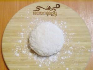 Тесто на кефире без яиц - фото шаг 3