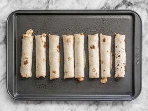 Трубочки с сыром и колбасой - фото шаг 4