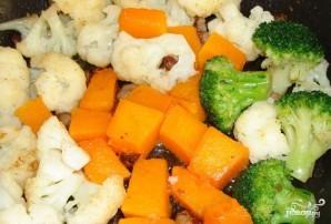 Цветная капуста жареная с овощами - фото шаг 2