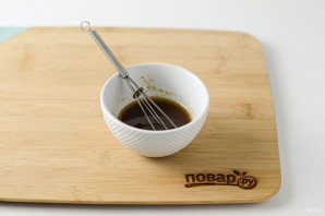 Салат с соевым соусом - фото шаг 6