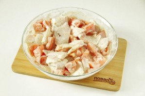 Тилапия в духовке с картошкой - фото шаг 3