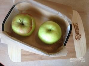 Яблоки, запеченные с джемом и бананом - фото шаг 5