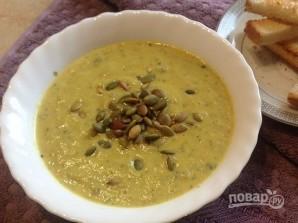 Суп-пюре из цукини с тыквенными семечками - фото шаг 12