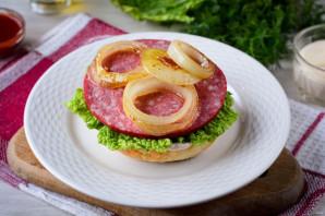 Домашний гамбургер с колбасой - фото шаг 6
